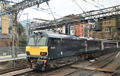 92014 Caledonian Sleeper Train at Kings Cross. (ManOfYorkshire) Tags: class92 electric loco engine locomotive 92014 caledonian sleeper train railway kgx kingscross london overnight longest service rear