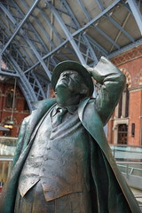 Sir John Benjeman 1906-1984, Martin Jennings (Sculptor) St. Pancras Station, Euston Road, Camden, London (4) (f1jherbert) Tags: sonya68 sonyalpha68 alpha68 sony alpha 68 a68 sonyilca68 sony68 sonyilca ilca68 ilca sonyslt68 sonyslt slt68 slt sirjohnbenjeman19061984martinjenningssculptorstpancrasstationeustonroadcamdenlondon londonengland londonuk londongb londongreatbritain londonunitedkingdom london england uk gb united kingdom great britain sirjohnbenjeman19061984martinjenningssculptor stpancrasstationeustonroadcamdenlondon sirjohnbenjeman19061984 martinjenningssculptor stpancrasstation eustonroadcamden sir john benjeman 19061984 martin jennings sculptor st pancras station euston road camden