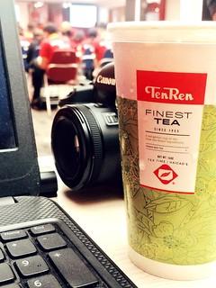 � Tea time 😉 #tea #milktea #teatime #tenren #rainyday #working #laptop #camera #canon #myphoto #myphone #haicao #lgg6 #snapseed #instagram