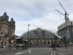 Lime Street Railway Station - Liverpool - August 2018 (firehouse.ie) Tags: stations trains rail merseyside greatarch city limestreet england britishrailroad liverpool railway station train