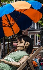 Little big girl from Royal de Luxe (tomaszbaranowski007) Tags: holland leewuwarden sleep abstract group art french royal girl