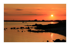 Coucher au Colomban (GastonGraphy) Tags: carnac sunrise nature outdoor soir red redsky sunlight landscape