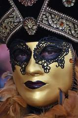 venetian masks portraits - 9 (fotomänni) Tags: masken masks venezianischerkarneval venezianisch venetiancarnival venetian venezianischemasken venetianmasks venezianischemesseludwigsburg portraits portrait portraitfotografie manfredweis