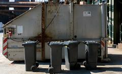 The Meeting (frankdorgathen) Tags: sony sonyrx10iii sonyrx10m3 ruhrpott ruhrgebiet duisburg industry industrie landschaftsparknord mundane banal container mülltonne trashcan