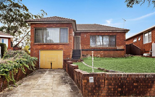 12 Gregory Cr, Beverly Hills NSW 2209