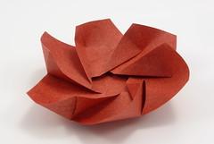 Twirl Bowl (Michał Kosmulski) Tags: origami bowl dish hexagonal twirl swirl elephanthidepaper michałkosmulski red