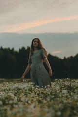 13.07.2018 (Polly Bird Balitro) Tags: portraits girl woman model flowers nature colours naturallight eveninglight evening goldenhour bluehour summer nikondf nikonaf135mmf2dc finland diary blog pollybalitro