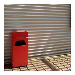 74 (trash can) (ngbrx) Tags: ungersheim hautrhin grandest france park parc petit kleiner prince prinz frankreich freizeitpark theme trash can mülleimer lines linien alsace elsass