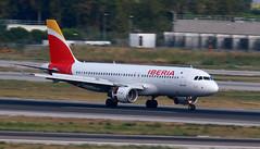 Iberia / Airbus A320-214 / EC-IZH (vic_206) Tags: iberia airbusa320214 ecizh bcn lebl barrido panning