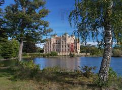 Stora Sundby castle (Tim Ravenscroft) Tags: castle sweden lake hasselblad hasselbladx1d storasundby