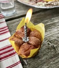 Mini-Geburtstagsreinling (stefan aigner) Tags: austria candle carinthia faakersee food foodporn kärnten kerze oesterreich österreich reinling troadkasten