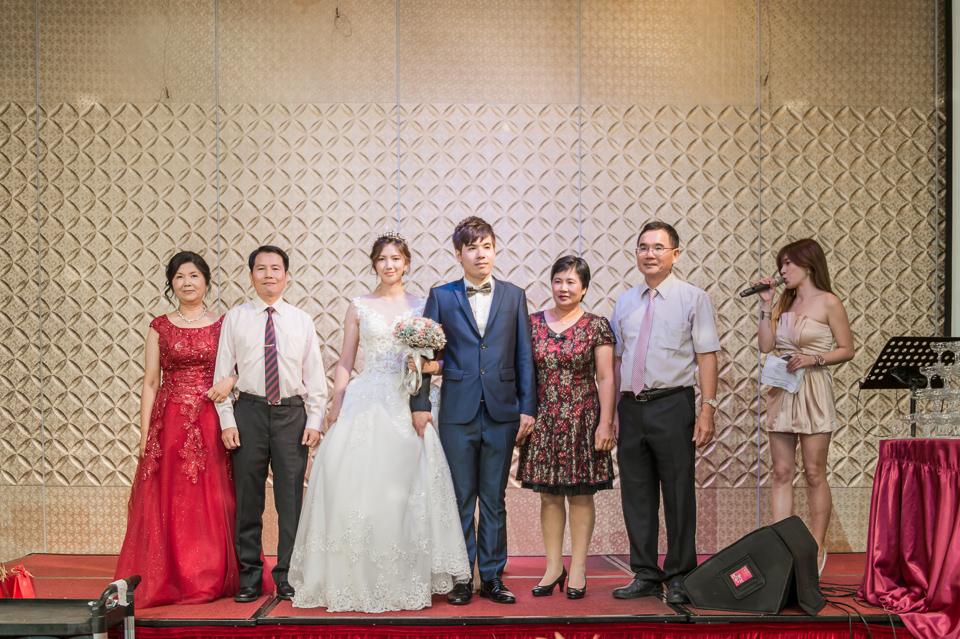 高雄婚攝 海中鮮婚宴會館 有正妹新娘快來看呦 C & S 120