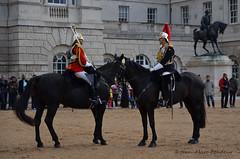 Londres : la relève de la Garde (CpaKmoi) Tags: royaumeuni angleterre londres london relève garde horseguards parade
