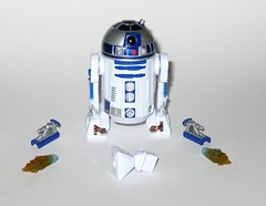r2-d2 star wars the last jedi force link basic action figures 2017 hasbro a (tjparkside) Tags: r2d2 r2 d2 astromech droid droids artoo detoo star wars last jedi force link basic action figure figures episode viii 8 eight tlj hasbro 2017 disney orange wave 2 removable booster boosters rocket rockets third leg flame flames thruster thrusters resistance rebellion c3po c 3po see threepio