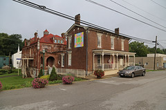 Scott County Sheriff's Residence and Jail — Georgetown, Kentucky (Pythaglio) Tags: georgetown kentucky scottcounty house dwelling residence building structure jail historic nrhp nationalregister 02000923 1892 italianate cornicebrackets spindlework porch cornicereturns 66windows
