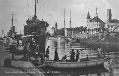 Stolpmunde - old postcard 1 (roomman) Tags: 2018 poland baltic sea coast north ustka old postcard stolpmünde history historic prewar pre war bw black white bandw contrast grey scale monochrome design sharp crisp boat harbour port ship ships maritim maritime postcards greet greetings village town city ferry vessel faehre hafen fahre poeple