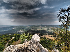 View Into The Valley (jan-krux photography - thx for 3 Mio+ views) Tags: bulgaria bulgarien skrino landscape landschaft berge mountains dramatic dramatisch wolken clouds travel reisen olympus omd em1 rocks felsen view aussicht