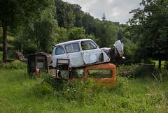 Abandoned cars (the_bestiole) Tags: urbex exlporation urbaine urban decay abandoned lost place friche forgotten old lieux oubliés desaffecté abandonné ancien
