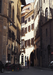 Heart of Old Florence (Angelk32) Tags: street italy florence firenze unesco tuscany bellaitalia toscana oldtowncentre europe travel telephoto 40150mm olympus em10 mirrorless microfourthirds