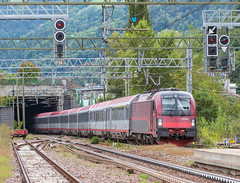 Rimini - München (westrail) Tags: nikon nikkor d810 dslr f28 digicam digitalkamera afs70200 vri lens objektiv fotograf photographer andreasberdan omot youmademyday europa europe e190 e190017 1216 1216017 öbb austrianfederalrailways italien italy altweg trentinoaltoadige südtirol brenner brennerbahn taurus gleis schiene track station bahnhof haltestelle pontegardenalaion eurocity ec ec84 rimini münchen munich deutschland germany durchfahrt transit siemens kraussmaffei