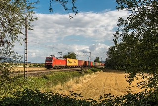 092_2018_08_14_Elze_(Han)_6152_129_DB_mit_Containerzug_➡️_Norden