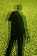 The One-Armed shadow. (Orcoo) Tags: shadow shadows onearm onearmed man manco sombra sombras beware sahadowman iphone autorretrato selfportrait selfie auto me myself yo