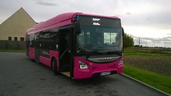 Iveco Bus Urbanway 12 GNV BHNS n°466 au terminus Croizat