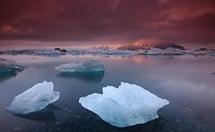A Cold Dark Yesteryear (Stu Patterson) Tags: stu patterson sunset ice lagoon glacier iceland