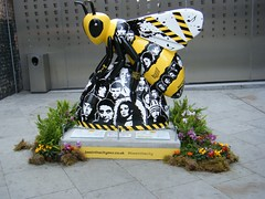 Manchester street art = bees. = ALL GONE NOW (rossendale2016) Tags: losses totally financed contributed afloat kept for paid artists record recording america reformed division joy older girl but any famous drugs iconic icon musicians mondays happy unusual clever numerous area central centre city manchester art street opposite arches train railway journalist reported radio television tv entrepreneur wilson anthony tony colourful colour bees closed liam noel brothers brother gallagher stage dancer baz venue music club night hacienda