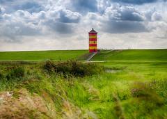 Pilsumer Leuchtturm - Greetsiel (muman71) Tags: dscf1398 hdr fuji xt2 fujinon18135 pilsum leuchturm greetsiel nordsee f9 iso400 80mm 1500sec deich 2018