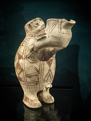 Ceramic vessel of a man pouring a libation Luristan style western Iran 800 BCE (mharrsch) Tags: man libation ritual ceramic luristan iran ancient 8thcenturybce ashmoleanmuseum oxford england mharrsch