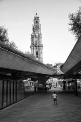 praca de lisboa, porto (LG_92) Tags: porto portugal portuguese architecture contemporary modern 2018 nikon dslr d3100 concrete child desolate sunset lonely roof passage