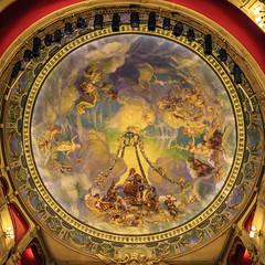 Plafond Théâtre Jean Vilar (Alexandre LAVIGNE) Tags: pentaxhddfa2470mmf28edsdmwr pentaxk1 saintquentin théâtrejeanvilar théâtreàlitalienne fresque k1 lumière plafond picardiehautsdefrance france