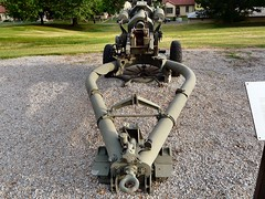"M119 105mm Howitzer 2 • <a style=""font-size:0.8em;"" href=""http://www.flickr.com/photos/81723459@N04/42987025140/"" target=""_blank"">View on Flickr</a>"