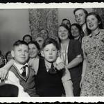 Archiv P736 Familientreffen, 1950er thumbnail