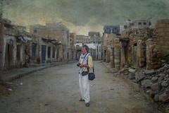 aprendre / aprender / to learn (Kaobanga) Tags: iemen yemen alyaman aljumhuriyahalyamaniyah yémen alǧumhūriyyahalyamaniyyah الجمهوريةاليمنية aprendre aprender tolearn learn pigments pigmentos kaobanga rvl