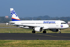 LY-NVZ | Airbus A320-214 | SunExpress (JRC | Aviation Photography) Tags: avionexpress sunexpress lynvz dus eddl dusseldorfairport a320214 airbusa320214 a320200 a320 airbusa320