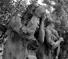 Par em transe (Américo Meira) Tags: bw escultura estátua liubliana eslovénia jakovbrdar adãoeeva challengeyouwinner