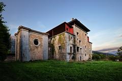 Preservado para tiempos mejores (noldor12) Tags: valle cantabria ruesga ríoasón spain canonef1635f4lisusm 6d canoneos6d abandoned ruinas
