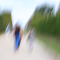(jc.dazat) Tags: flou blur icm personnages people femmes women ladies couleurs colours color photo photographe photographie photography canon jcdazat dazat