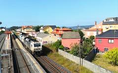 Todo un espectáculo (javivillanuevarico) Tags: trenes galicia ferrocarril betanzosinfesta madera renfemercancías
