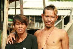 young couple (the foreign photographer - ฝรั่งถ่) Tags: young couple two khlong thanon portraits bangkhen bangkok thailand canon