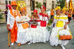 2010-02-06 Desfile de Llamadas en Montevideo (29) - Desfile de Llamadas (Parade der Rufe), Karnevalsumzug in Montevideo, Uruguay (mike.bulter) Tags: karneval carnival umzug parade karnevalsumzug desfiledellamadas frau man mann menschen montevideo people southamerica suedamerika uruguay woman barriosur ury carnaval
