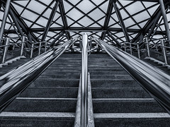 Leading Lines (katrin glaesmann) Tags: stairs staircase blackandwhite monochrome bw metal chrome concrete hannover expogelände niedersachsen lowersaxony station