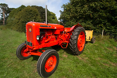 Nuffield 460 (jon lees) Tags: nuffield universal 460 tractor vintage north down traction engine club rosemount