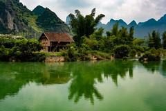 Quay Son River (Rod Waddington) Tags: vietnam vietnamese quay son river landscape water house farm mountains trees clouds outdoor reflection