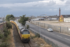 Colas Rail Skips 67027 T&T 67023 ,1340 Burton Ot Wetmore Sidings to Doncaster West Yard , Passing New Clee Station , 23-8-2018a (Bri Hall) Tags: newcleestation newclee colas colasrail 67023 67027 stella