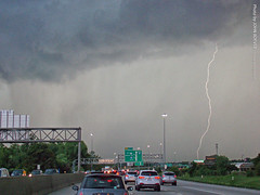 Lightning near I-35 during commute, 28 Aug 2018 (photography.by.ROEVER) Tags: kansas joco johnsoncounty overlandpark kcmetro storm thunderstorm weather lightning drive driving driver driverpic road highway freeway interstate i35 interstate35 commute eveningcommute ontheroad summer summer2018 2018 august august2018 usa