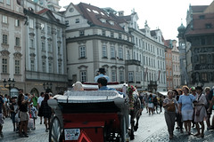 tourists 2@Prague, CZ (Amselchen) Tags: bokeh blur dof depthoffield people pedestrians tourists city oldtown prague fujinon fujifilm xt2 fujifilmxt2 xf35mmf14r