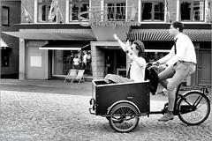 Student Introduction (Hindrik S) Tags: party feest drinking drank fles flesse bottle fläsche bicycle bike fiets fyts bakfiets bakfyts carriertricycle lastenfahrrad lastenrad transportfahrrad transportrad langepijp schweigmann leip liwwadden ljouwert leeuwarden fryslân friesland netherlands 2018 blackandwhite zwartwit swartwyt streetphoto street streetphotography strjitfotografy strjitte straatfotografie straat strasse sony sonyphotographing dschx90v kh2018 lf2018 fun wille plezier candid people boys students